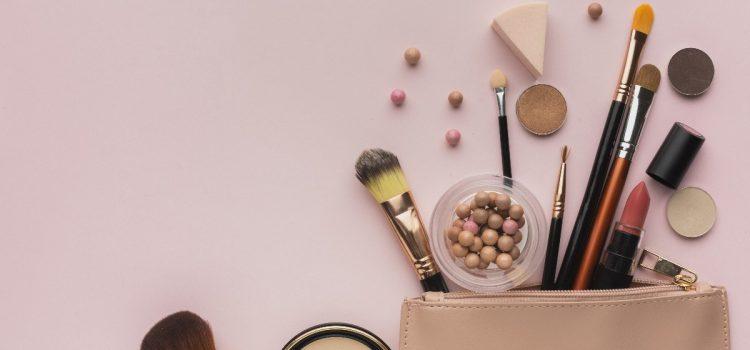 Jak spakować kosmetyki do walizki?