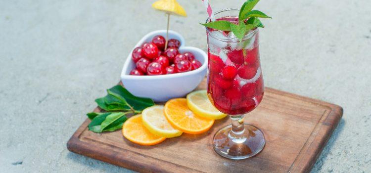 Jak poprawić smak wody mineralnej?