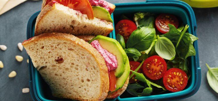 W co pakować kanapki do pracy lub szkoły?