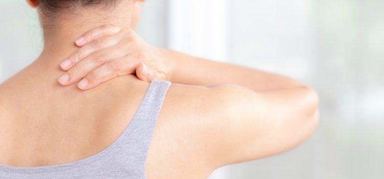 Ból karku – jakie ćwiczenia wykonać w domu?