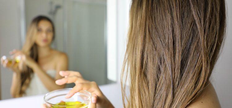 Olejowanie włosów – jak przeprowadzić zabieg w domu?