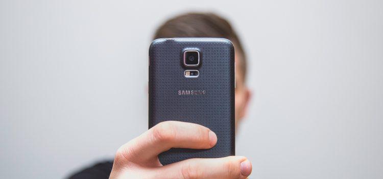 Jak samemu zrobić zdjęcie do dowodu telefonem?