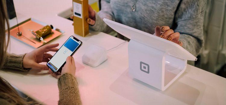 Jak płacić telefonem za zakupy?