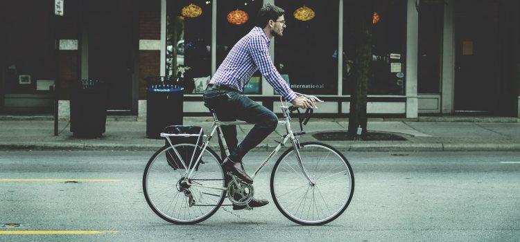 Prawidłowa pozycja podczas jazdy na rowerze