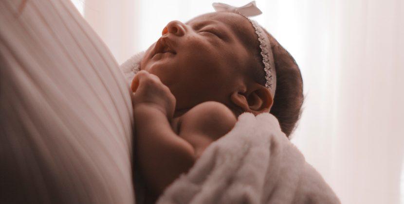 Narodziny pierwszego dziecka – co kupić?