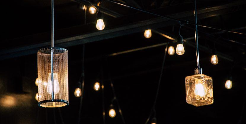 Jak dopasować do wnętrza rodzaj i wielkość lampy?